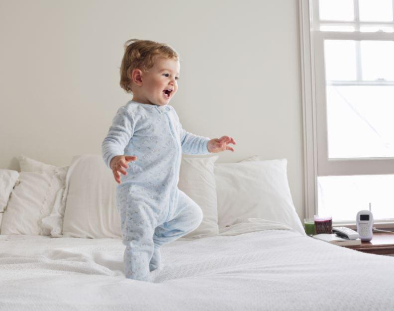Развитие с рождения до года -1 год