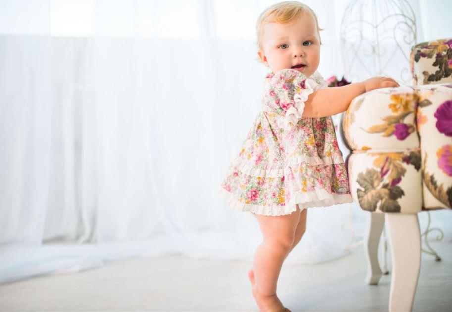 Развитие с рождения до года -10 месяцев