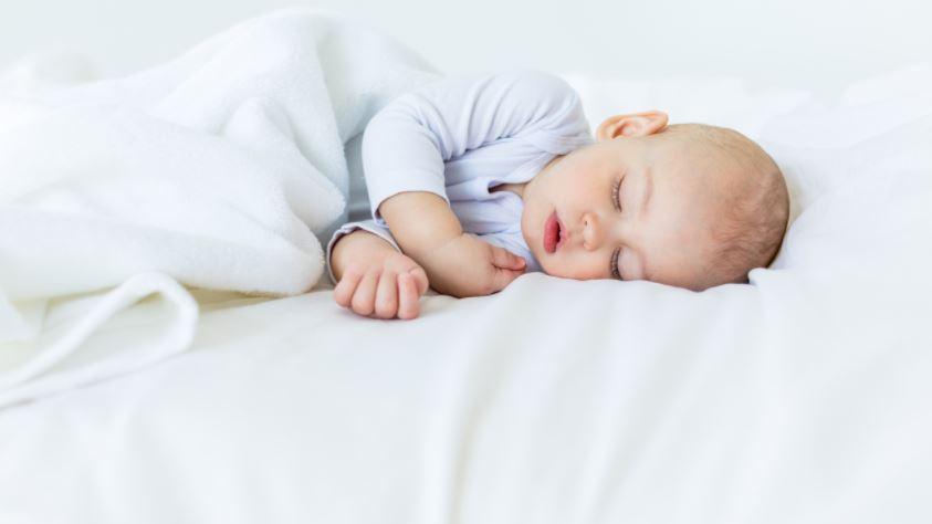 Развитие с рождения до года -11 месяцев